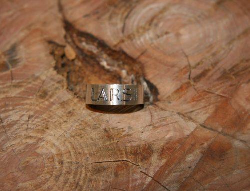 Zilveren ring met tekst