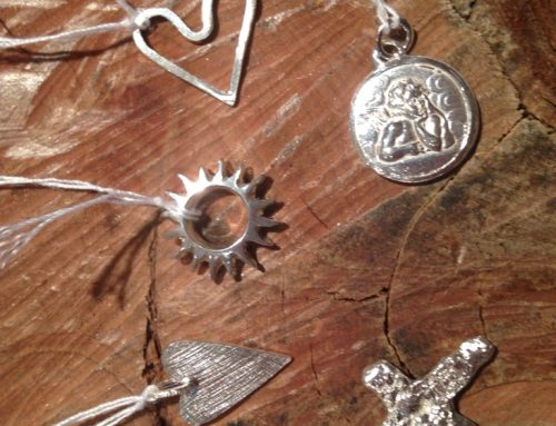 Diverse zilveren hangers